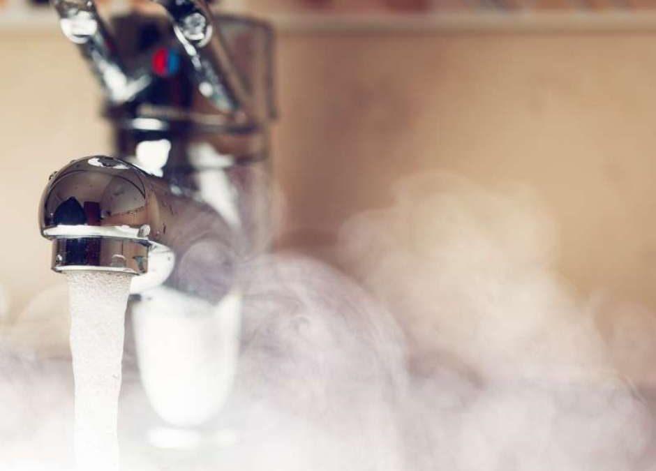 Mito ou verdade: água quente desentope cano com gordura?